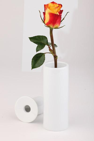 Porcelán váza egy szál virágnak, 5x13cm (AP04019)