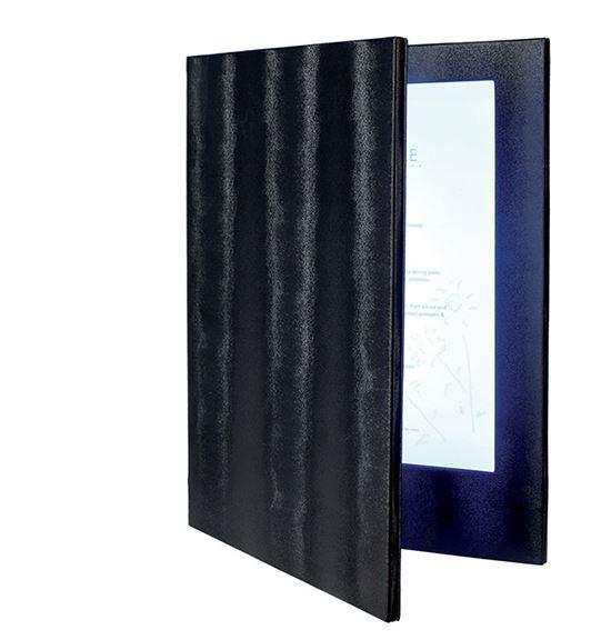 Securit® LED tölthető menütartó A4 méret, nyitáskor automatikusan világító menü. Fehér LED, FEKETE színű bőr hatású borító (gravírozható, nyomtatható). 2 db A4 lap behelyezhető, vagy az átlátszó fólia írható. Tartozék akkumulátor. (8 óra működési idő, 3 óra töltési idő). Súly 1,4 kg. (LM1004)